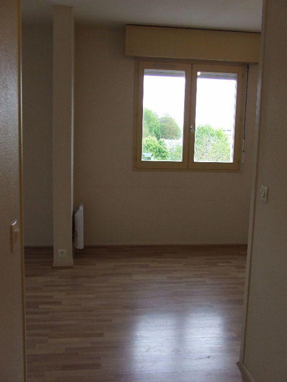 Appartement à louer 1 25m2 à Noisiel vignette-5