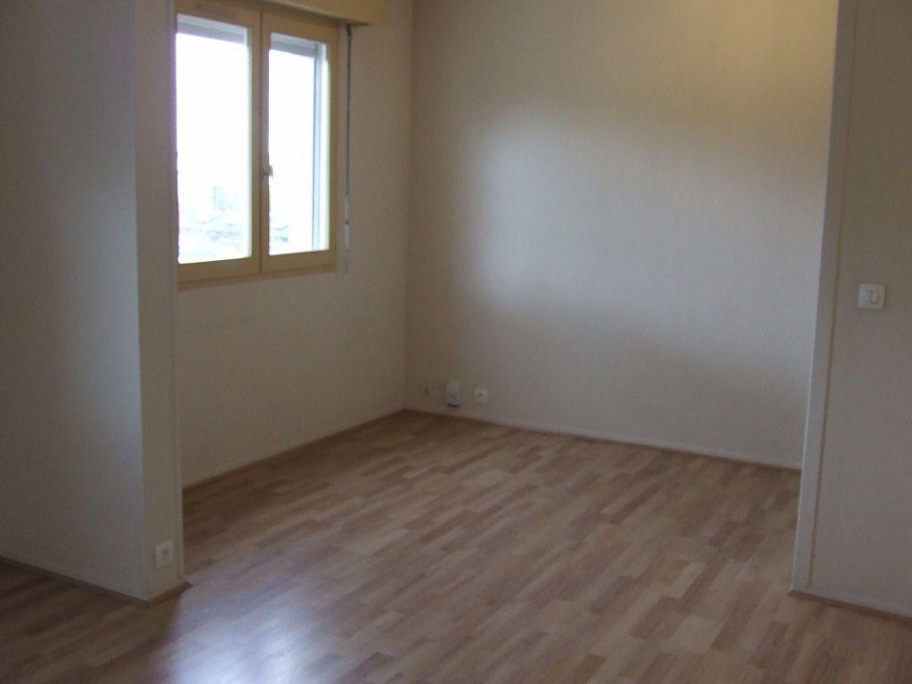 Appartement à louer 1 25m2 à Noisiel vignette-7