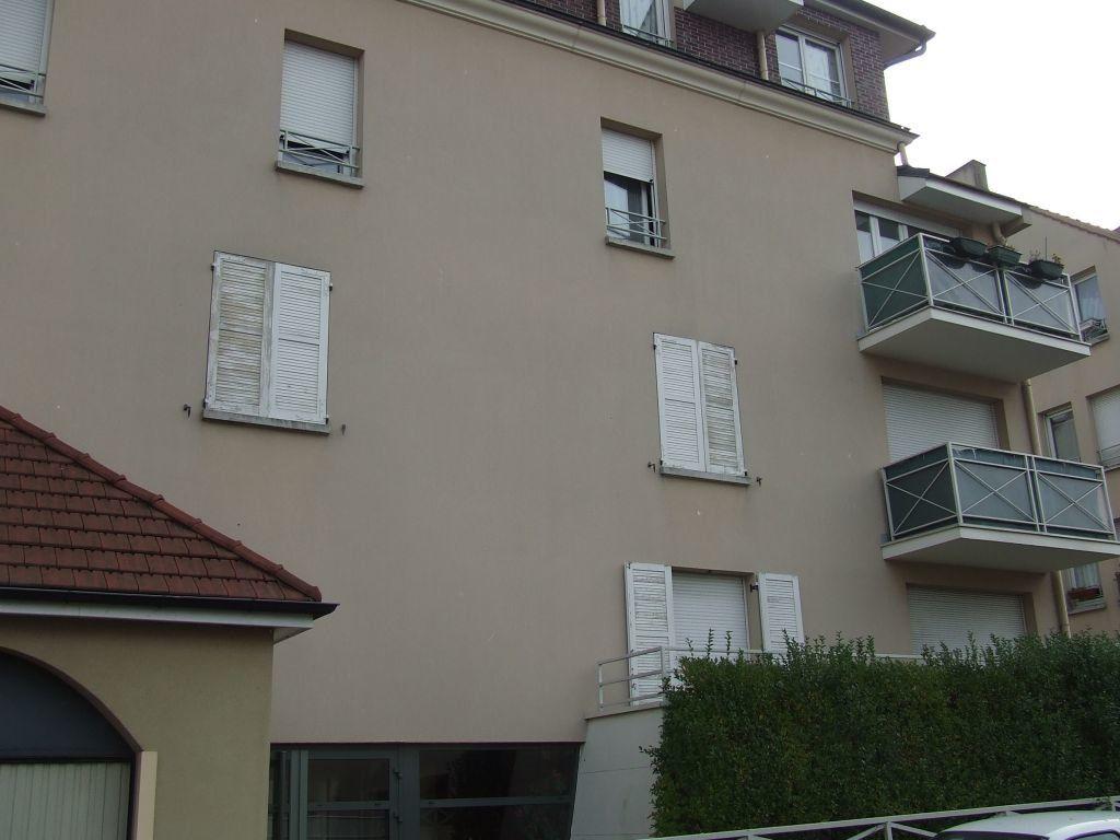 Appartement à louer 1 21m2 à Champs-sur-Marne vignette-1