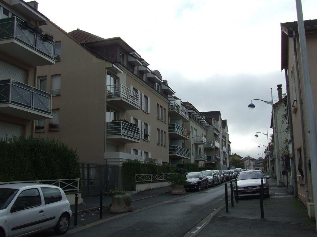 Appartement à louer 1 21m2 à Champs-sur-Marne vignette-2