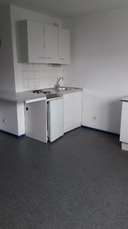 Appartement à louer 1 27.66m2 à Champs-sur-Marne vignette-1