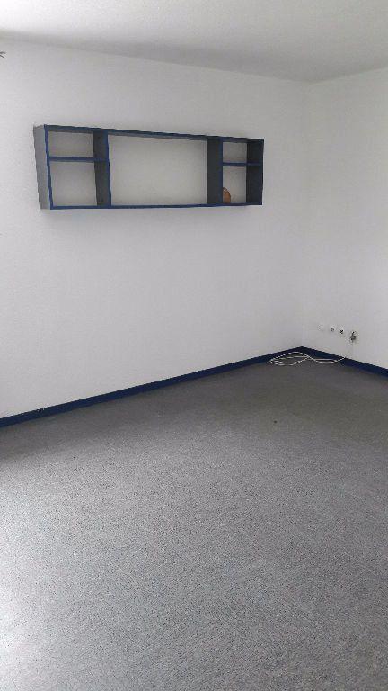 Appartement à louer 1 27.66m2 à Champs-sur-Marne vignette-3