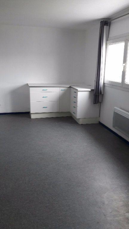 Appartement à louer 1 27.66m2 à Champs-sur-Marne vignette-5