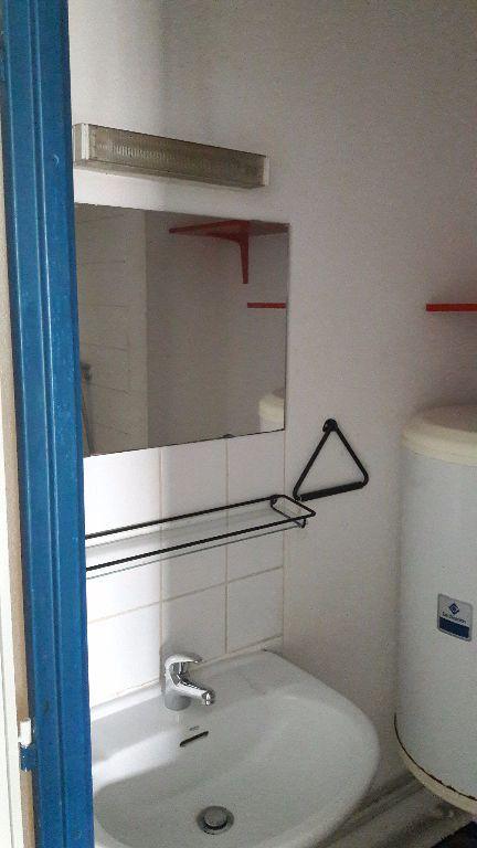 Appartement à louer 1 27.66m2 à Champs-sur-Marne vignette-10