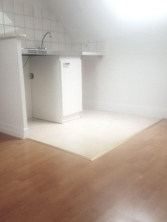 Appartement à louer 1 20m2 à Lagny-sur-Marne vignette-3