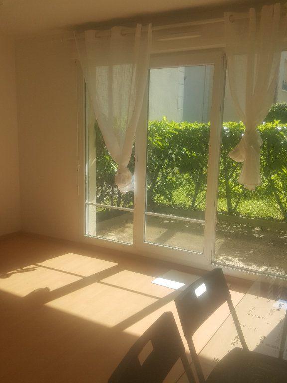 Appartement à louer 2 40m2 à Torcy vignette-2