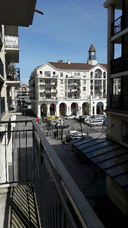 Appartement à louer 2 40m2 à Bussy-Saint-Georges vignette-1