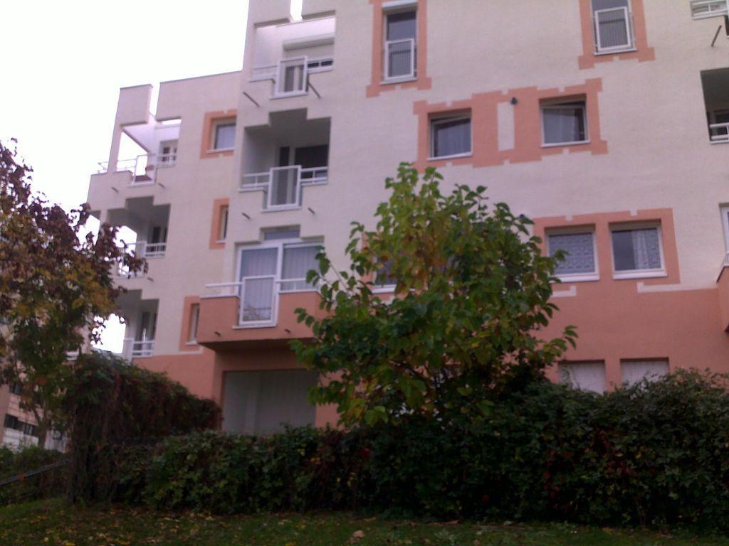 Appartement à louer 3 58m2 à Champs-sur-Marne vignette-1