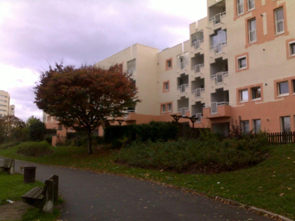 Appartement à louer 3 58m2 à Champs-sur-Marne vignette-4