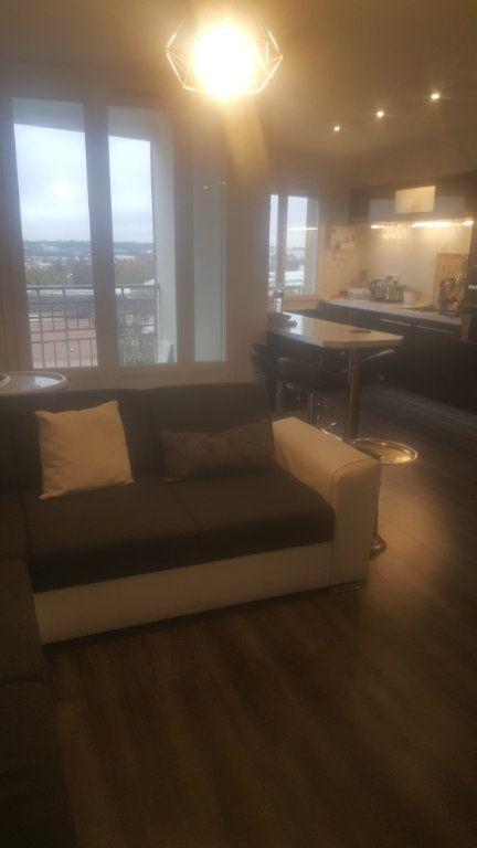 Appartement à louer 2 65m2 à Torcy vignette-1