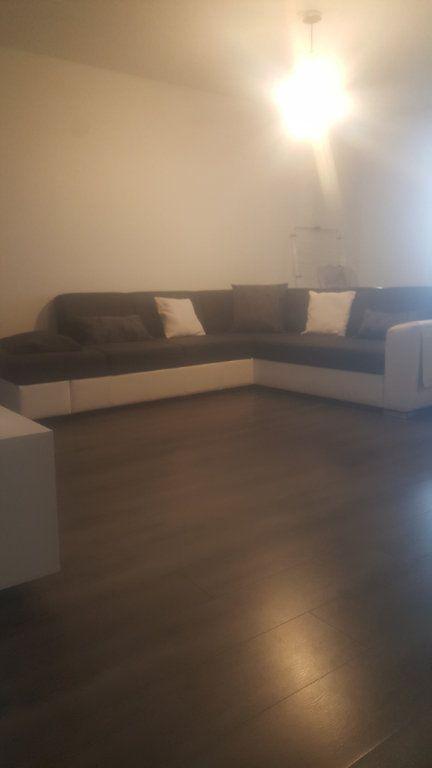 Appartement à louer 2 65m2 à Torcy vignette-3