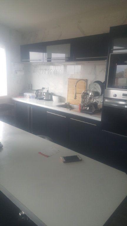 Appartement à louer 2 65m2 à Torcy vignette-5