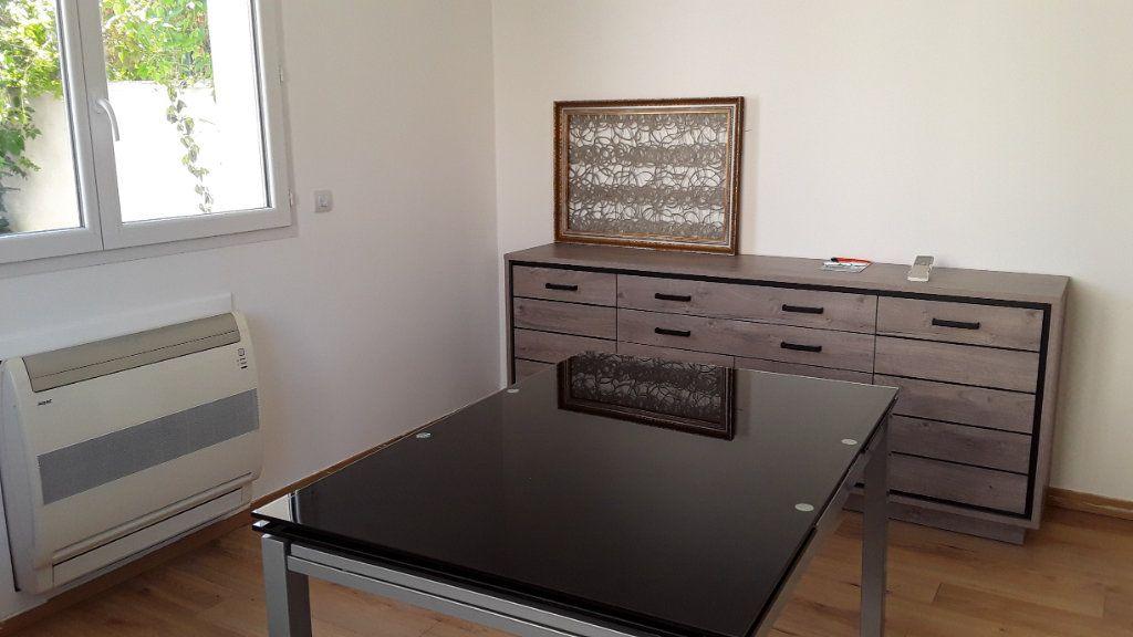 Appartement à louer 3 58m2 à Croissy-Beaubourg vignette-4