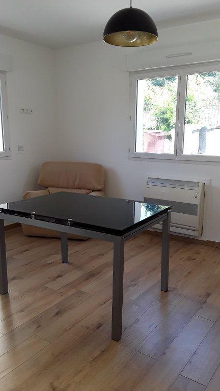 Appartement à louer 3 58m2 à Croissy-Beaubourg vignette-5