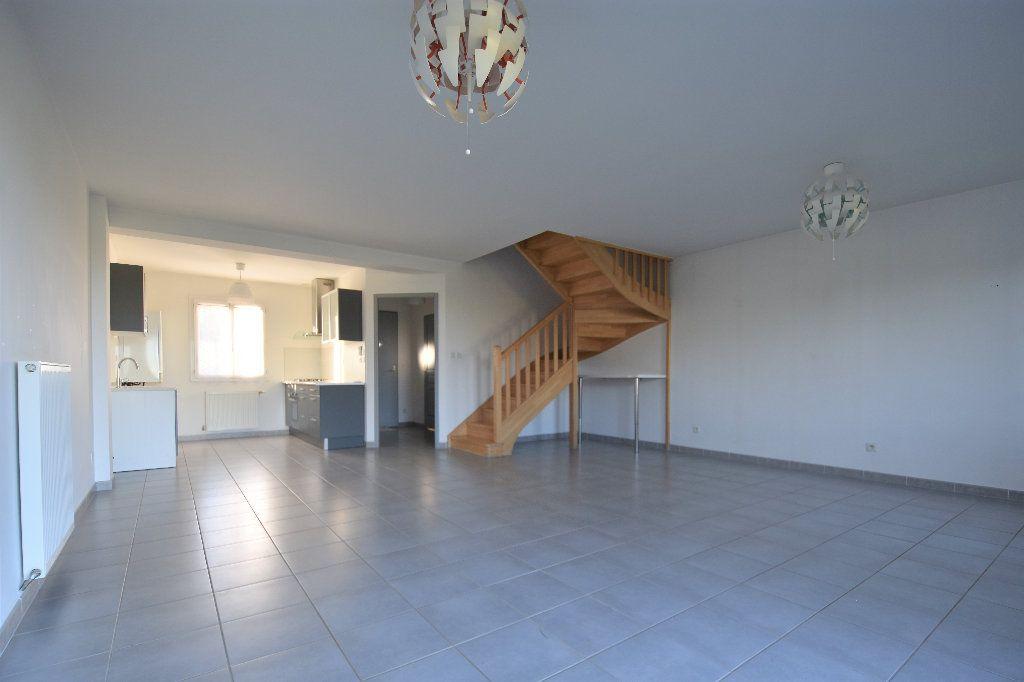 Maison à louer 4 99.37m2 à Mâcon vignette-3