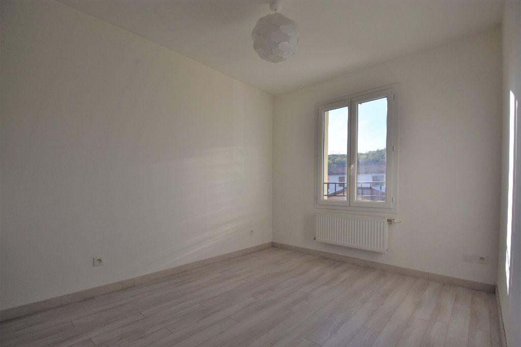 Maison à louer 4 99.37m2 à Mâcon vignette-11