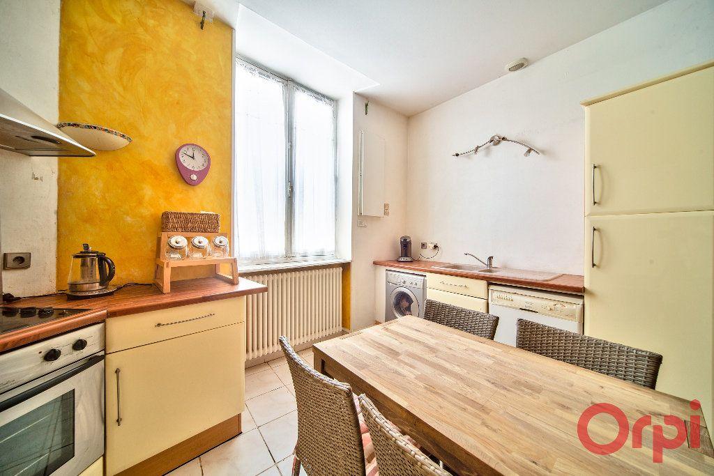 Appartement à vendre 3 71m2 à Mâcon vignette-3