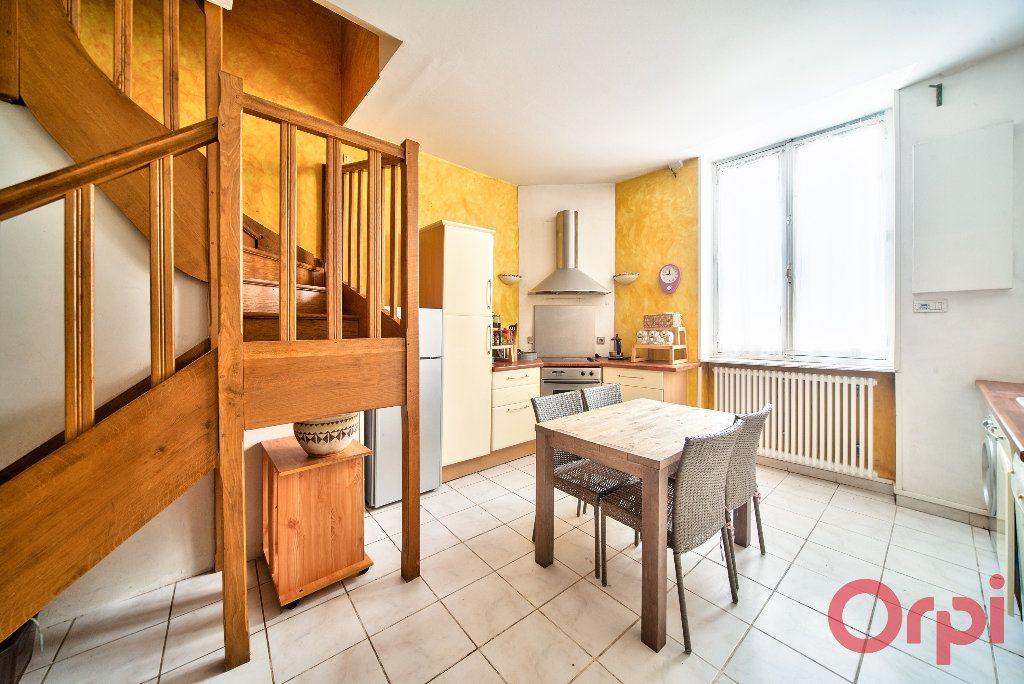 Appartement à vendre 3 71m2 à Mâcon vignette-4