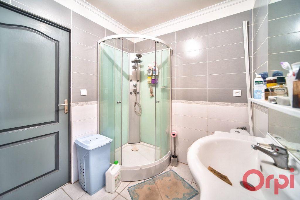 Maison à vendre 7 129m2 à Bâgé-la-Ville vignette-7