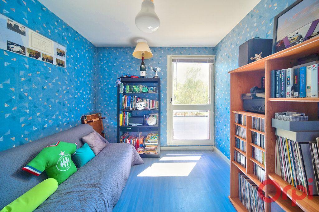 Appartement à vendre 3 62.66m2 à Mâcon vignette-5