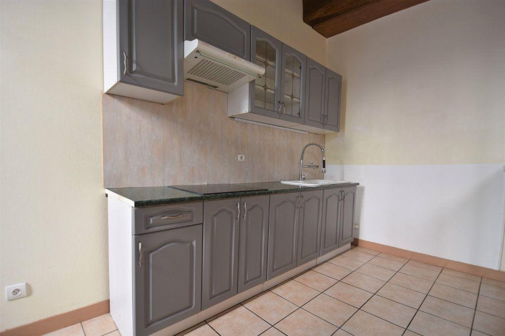 Appartement à louer 3 63.5m2 à Mâcon vignette-1
