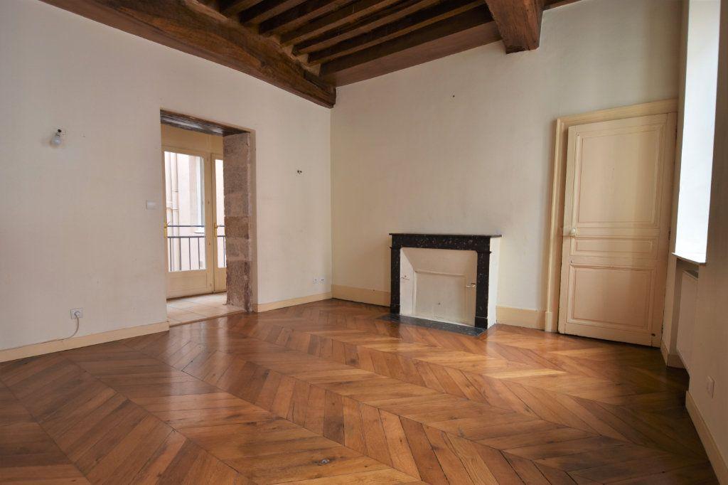 Appartement à louer 3 63.5m2 à Mâcon vignette-3