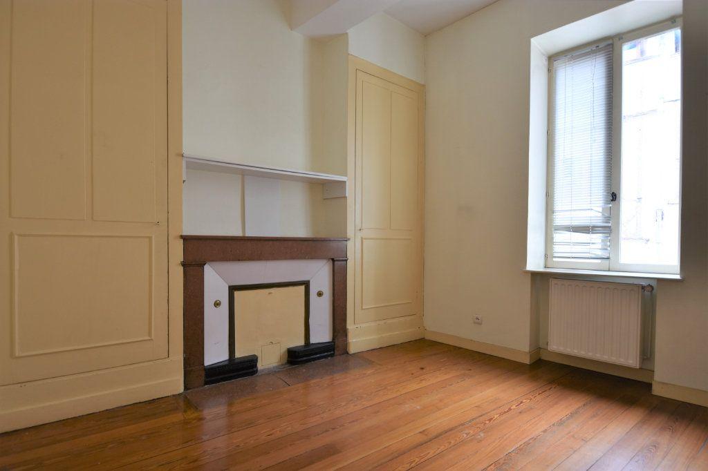 Appartement à louer 3 63.5m2 à Mâcon vignette-4