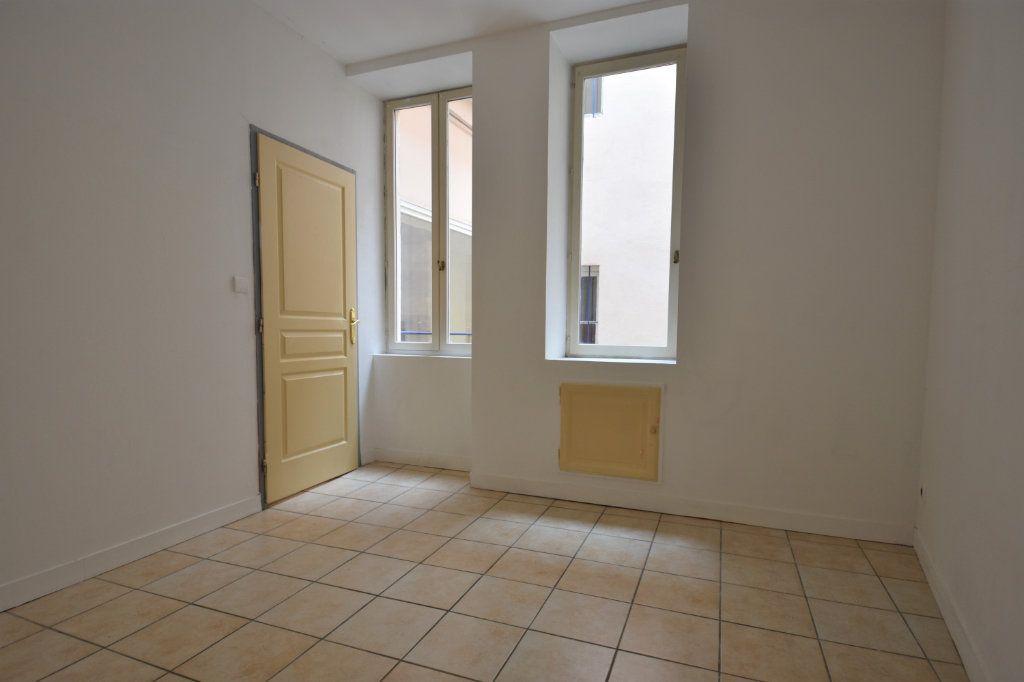 Appartement à louer 3 63.5m2 à Mâcon vignette-6