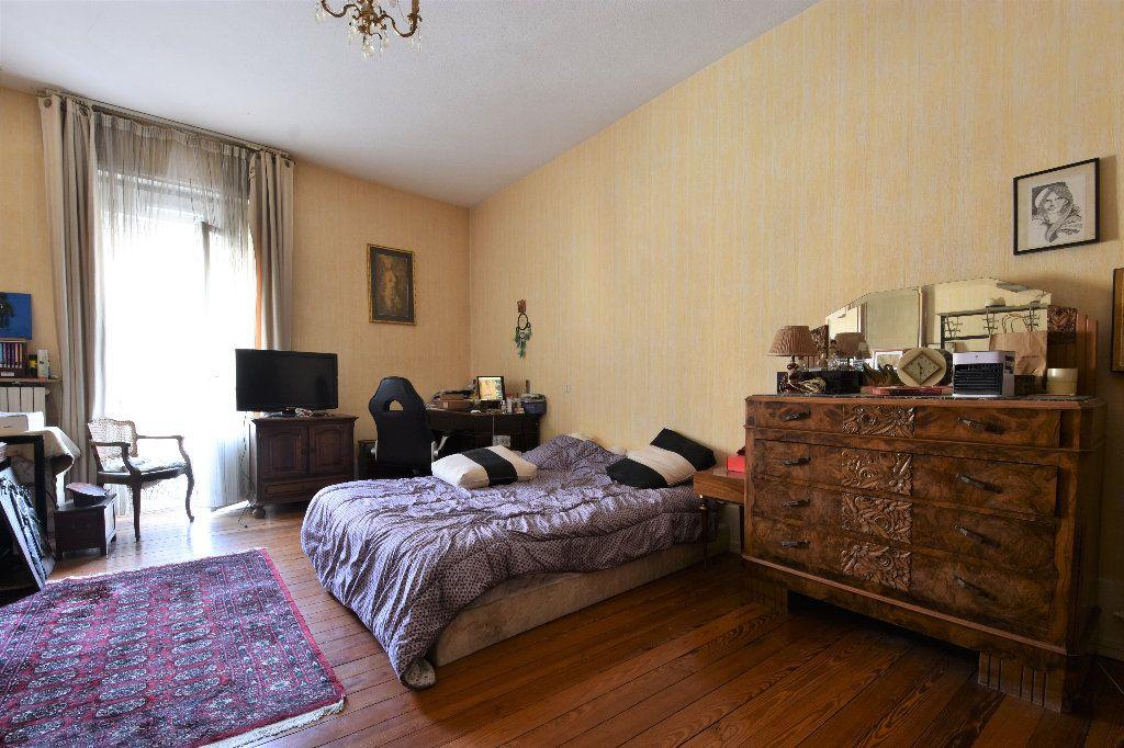 Appartement à vendre 6 161.49m2 à Mâcon vignette-6