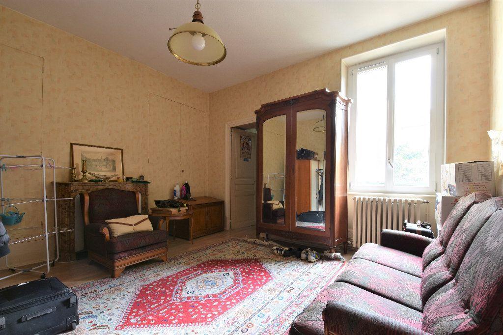 Appartement à vendre 6 161.49m2 à Mâcon vignette-7