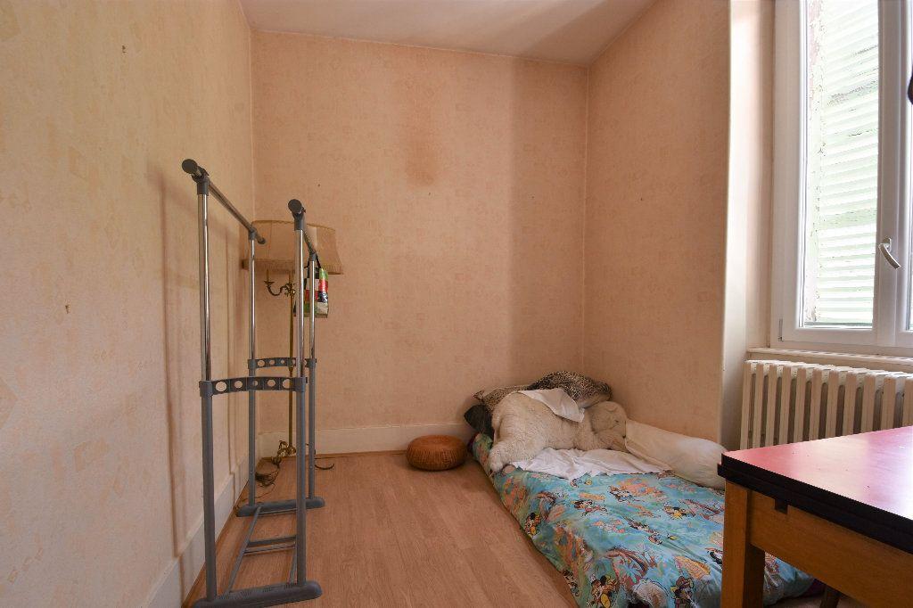 Appartement à vendre 6 161.49m2 à Mâcon vignette-9