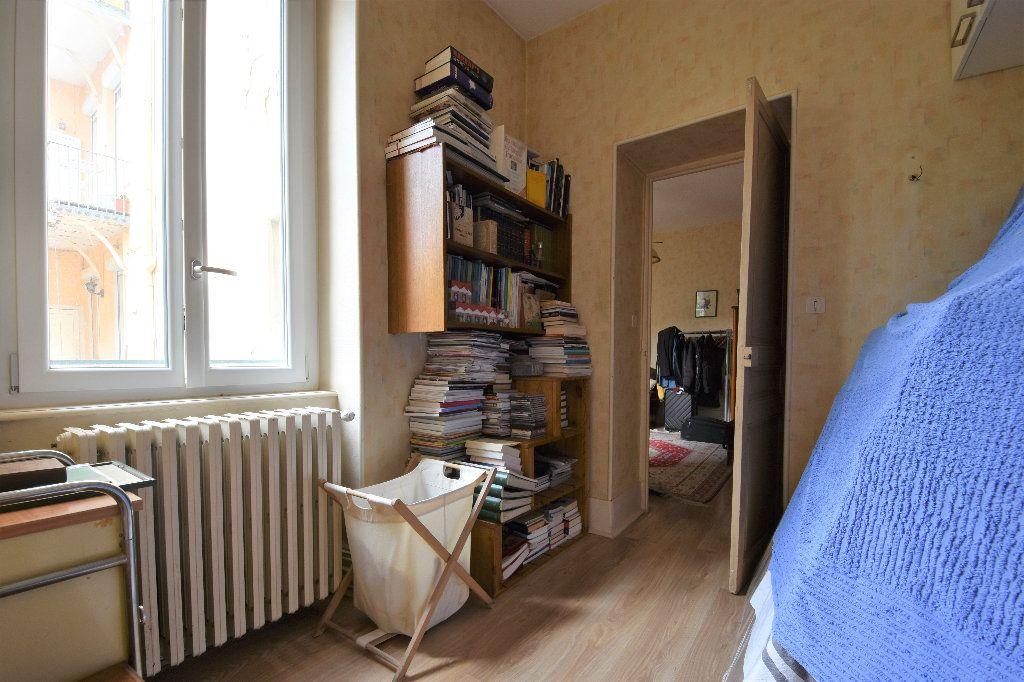 Appartement à vendre 6 161.49m2 à Mâcon vignette-10