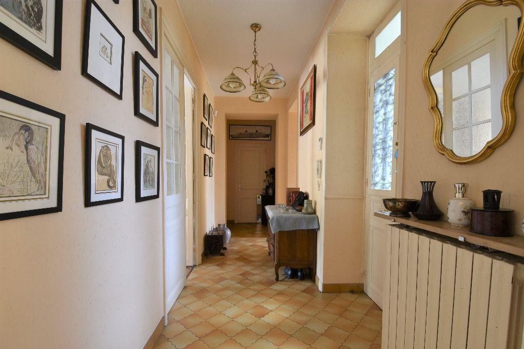 Appartement à vendre 6 161.49m2 à Mâcon vignette-11