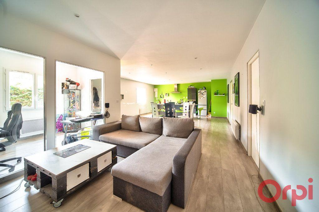 Maison à vendre 8 405m2 à La Roche-Vineuse vignette-12