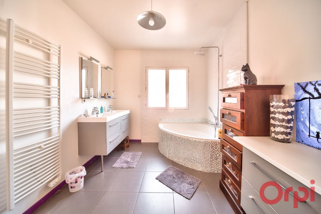 Maison à vendre 8 405m2 à La Roche-Vineuse vignette-13