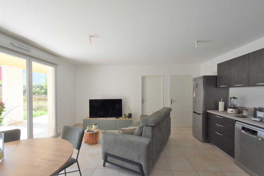 Appartement à louer 3 67.71m2 à Charnay-lès-Mâcon vignette-3