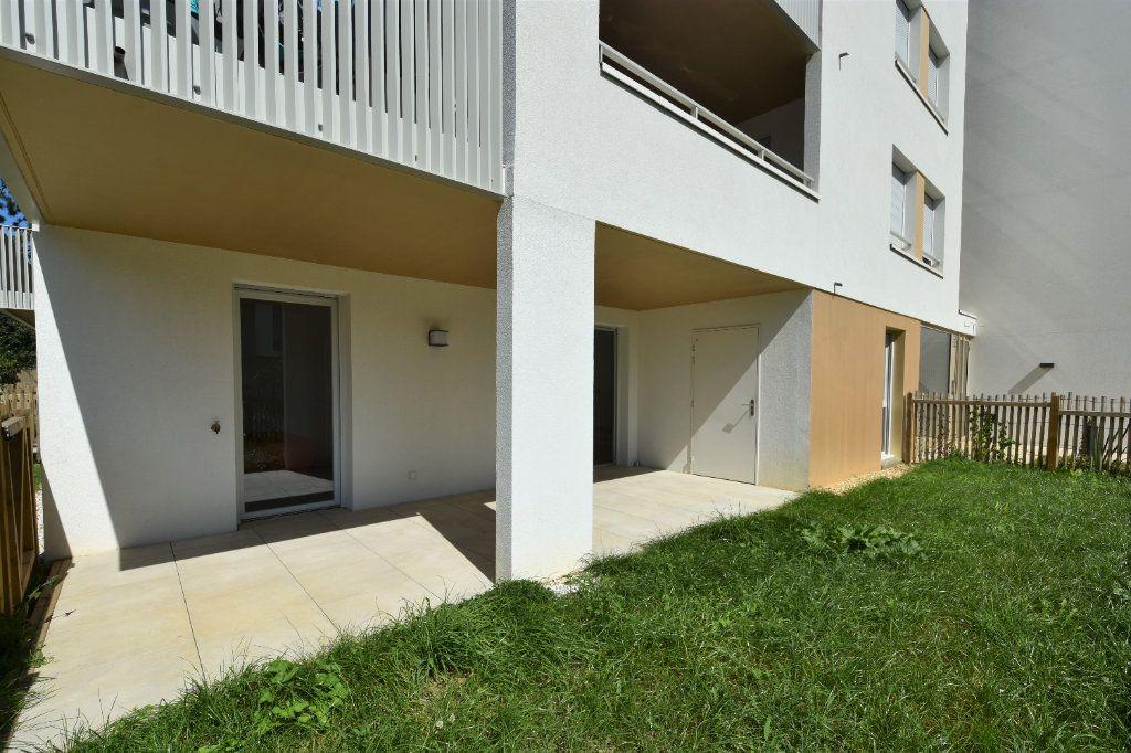 Appartement à louer 3 67.71m2 à Charnay-lès-Mâcon vignette-9