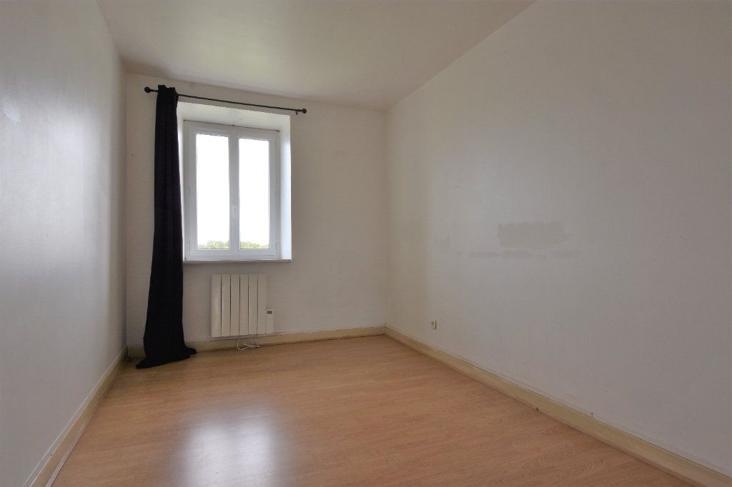 Appartement à louer 2 34.99m2 à Mâcon vignette-3