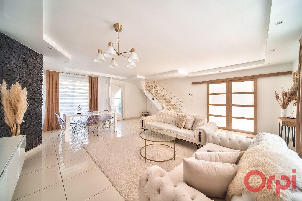 Maison à vendre 5 139m2 à Mâcon vignette-3