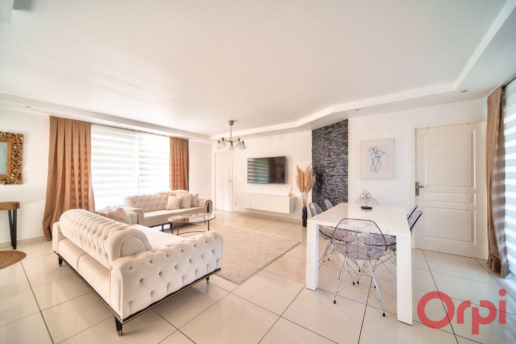 Maison à vendre 5 139m2 à Mâcon vignette-4