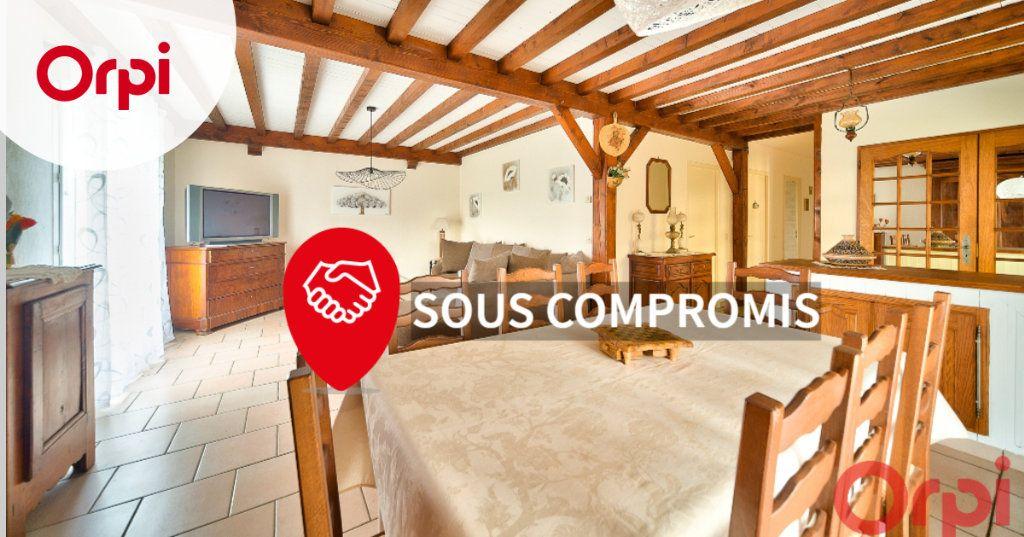 Maison à vendre 4 107m2 à Saint-Martin-Belle-Roche vignette-1