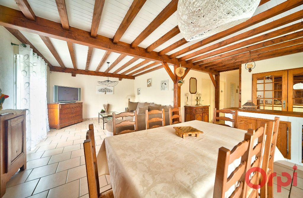 Maison à vendre 4 107m2 à Saint-Martin-Belle-Roche vignette-2