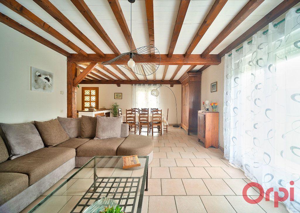 Maison à vendre 4 107m2 à Saint-Martin-Belle-Roche vignette-3