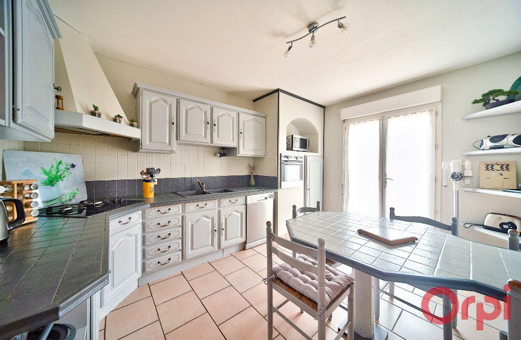 Maison à vendre 4 107m2 à Saint-Martin-Belle-Roche vignette-5