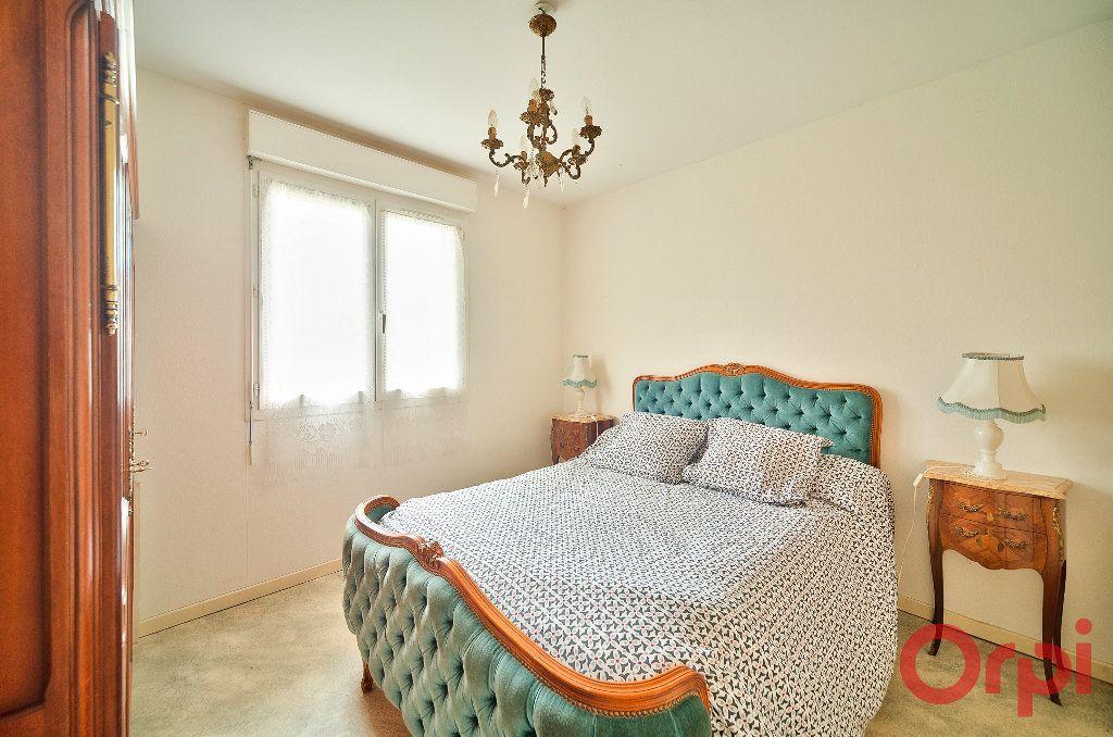 Maison à vendre 4 107m2 à Saint-Martin-Belle-Roche vignette-6