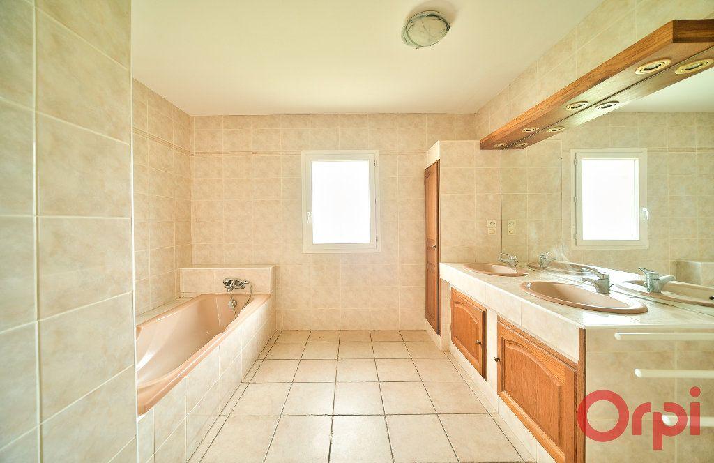 Maison à vendre 4 107m2 à Saint-Martin-Belle-Roche vignette-8