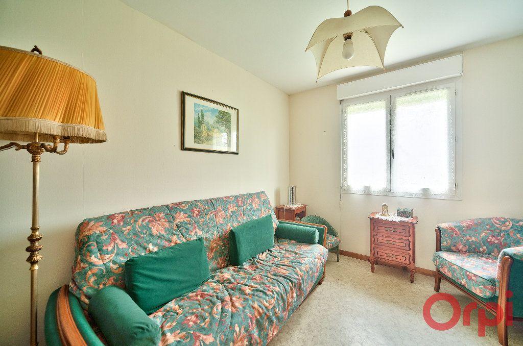 Maison à vendre 4 107m2 à Saint-Martin-Belle-Roche vignette-10