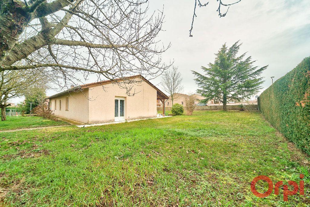 Maison à vendre 4 107m2 à Saint-Martin-Belle-Roche vignette-12