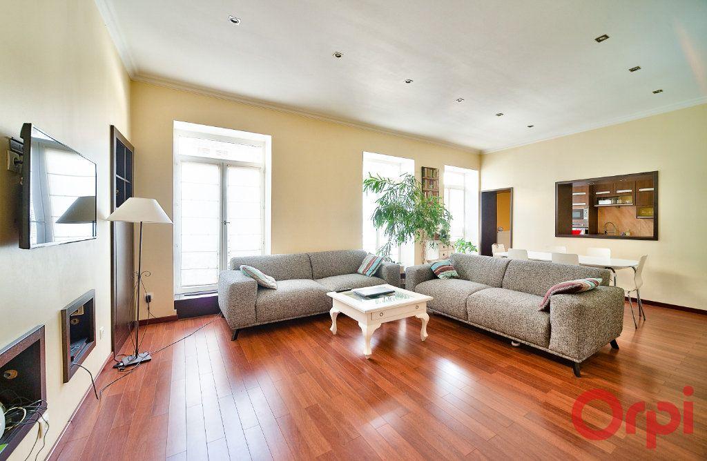 Appartement à vendre 4 136m2 à Mâcon vignette-2
