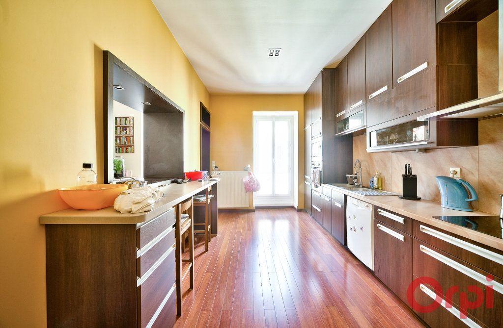 Appartement à vendre 4 136m2 à Mâcon vignette-3